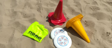 ultimate frisbee im sand